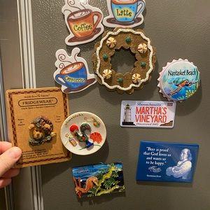 10 refrigerator magnets souvenir Boyd's bear